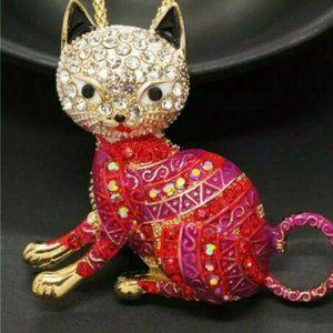 Jewelry - Elegant Pink Red Rhinestone Cat Necklace